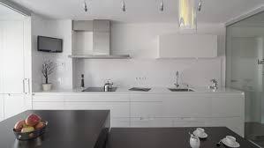 cuisine santos une cuisine blanche avec une verrière minos laque blanc soie mate
