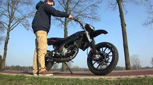 gasreactie derbi drd racing limited edition brk 85cc youtube
