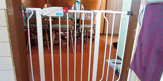 5 best freestanding and retractable baby gates reviews of 2017
