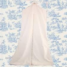 wedding dress garment bag 9 bridal garment bags to buy for your wedding day