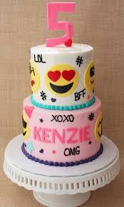 the cakes best 25 emoji cake ideas on birthday cake emoji