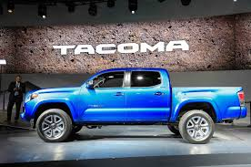 toyota tacoma vs tundra 5 things to know about the 2016 toyota tacoma
