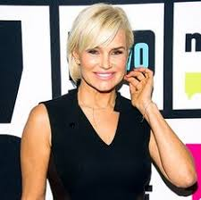 did yolanda foster cut her hair yolanda foster s new chic bob all the details yolanda foster