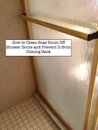 Cleaning Glass Shower Doors With Vinegar How To Clean Soap Scum Shower Doors Using A Paste Of Baking