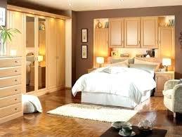 chambre avec placard meuble de rangement chambre a coucher 13 lit dans placard au dessus