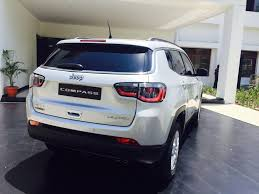 price jeep compass live jeep compass 2017 india unveil updates gets 2 engine options