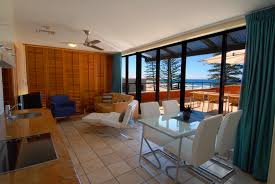 cheap 2 bedroom apartments 2 bedroom coolum beach terrace apartments coolum accommodation