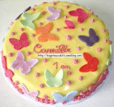 gateau anniversaire animaux gâteau et mini cupcakes papillons les gâteaux de lili et autres