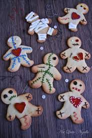 Easy Treats For Halloween Party by Voodoo Doll Cookies Halloween Party Food Ideas 17 Ghoulishly