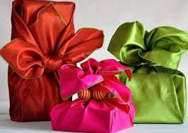 gift wraps 11 low waste gift wrapping alternatives to buy or diy earth911