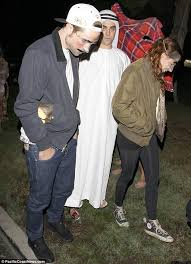 Halloween Costumes Maroon 5 U0027s Adam Levine Girlfriend Behati Prinsloo Dress