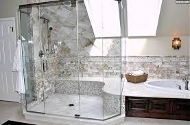 badezimmer mit dachschräge ideen badezimmer mit dachschräge beige marmorfliesen