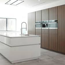81 best moderne keukens images on pinterest showroom cabinets