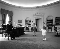 The Oval St 441 10 62 President Kennedy Caroline And John Jr In The Oval