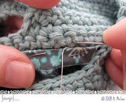 how to join crochet squares completely flat zipper method futuregirl craft blog tutorial make a zippered lining for the