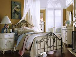 country cottage bedroom home