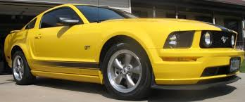 Yellow Mustang With Black Stripes 2006 White Mustang Gt Stripes Ford Mustang Forum