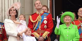 Queen Of England Meme - the queen s green screen outfit has turned into an amazing meme