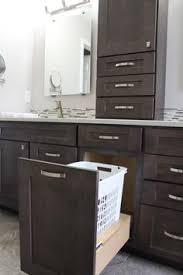 Dark Shaker Kitchen Cabinets Stylish Modern Kitchen With Dark Shaker Style Maple Cabinets