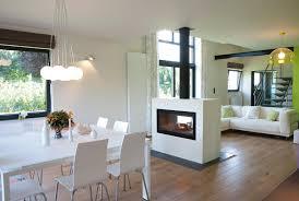 decor cheminee salon les 25 meilleures idées de la catégorie foyer à double face sur
