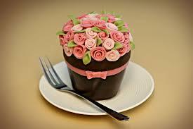 amazing birthday cakes roses cupcakes