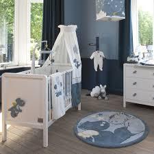 tapis pour chambre bébé garçon source d inspiration tapis chambre enfant garcon ravizh com