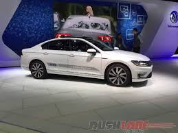 passat volkswagen 2016 new vw passat launched in india price rs 29 9 lakh