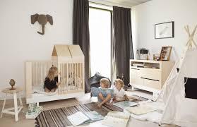 chambre bébé bois naturel décoration chambre bebe bois naturel 37 montreuil 10220440 sol