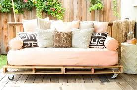 comment faire un canapé en comment faire votre canapé avec de vieux matelas