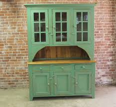 farm house hutch in green ecustomfinishes