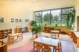 35 awesome montessori classroom design images montessori 0 3