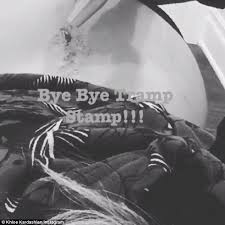 khloe kardashian removes the tattoo for her father and posts an