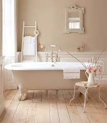 cozy victorian bathroom design in white and pastel basic ideas