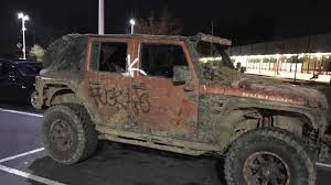 jeep driving away trump supporters in a jeep attacked by anti trump protesters youtube