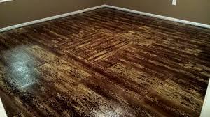 painted plywood floors boat deck 03 completed wood grain