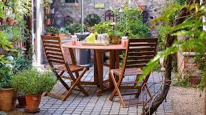 Make Wood Garden Table by Easy Spring Gardening Tips