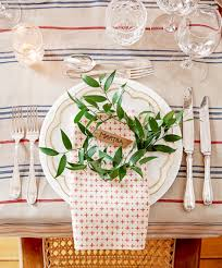 Xmas Table Decorations by Christmas Tablescapes Christmas Table Setting Ideas