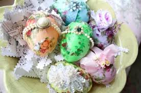 Decorating Easter Eggs With Fabric by 22 Uses For Plastic Easter Eggs Tip Junkie