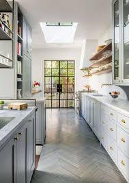 comment am駭ager une cuisine en longueur comment amenager une en longueur avec charmant comment am