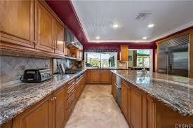 esperanza oak kitchen cabinets 23206 park esperanza calabasas ca 91302 estately