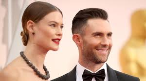 adam adam levine shares adorable family beach photo with daughter dusty
