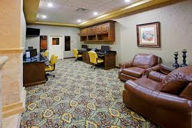 Comfort Suites Seaworld San Antonio Business Travelers In San Antonio Comfort Suites Alamo River Walk
