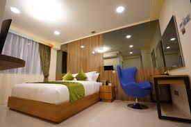 deluxe splendour room king serta bed five 6 hotel splendour