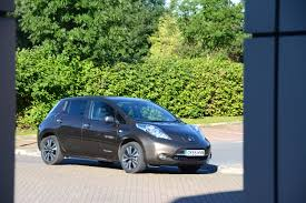 nissan leaf uk review nissan leaf 30kwh review greencarguide co uk