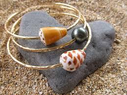 pearl bangle bracelet images Gold bangles tahitian pearl hawaiian shells hammered jpg