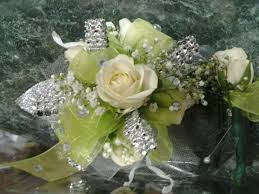 Mint Green Corsage 37 Best Prom Corsages 2013 Puffers Floral Images On Pinterest