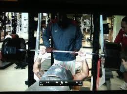 200 Lbs Bench Press Tide Dl Jesse Williams Stirs Up Twitter After 600 Lb Bench Press