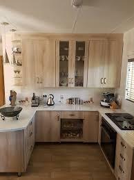 esperanza oak kitchen cabinets esperanza oak en kristell postform tops woodcon carpenters