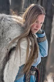 viking anglo saxon hairstyles viking woman tumblr fellhold pinterest viking woman