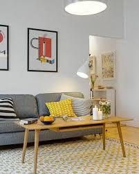 quel canapé choisir quel tapis choisir pour le salon canapé gris avec coussins colorés
